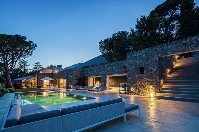 9 bed town house for sale in Varazze, Italy, Liguria, Italy
