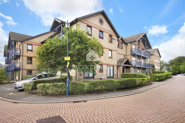 Thumbnail Flat for sale in Claremont Height, Close To Station, North Colchester
