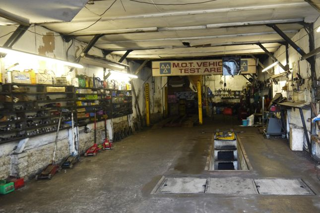 Parking/garage for sale in Vehicle Repairs & Mot HX3, West Yorkshire