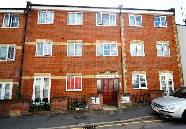 Thumbnail Flat for sale in Princess Street, Luton, Bedfordshire, United Kingdom