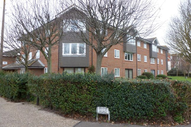Thumbnail Flat to rent in Irvine Road, Littlehampton