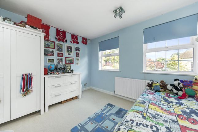Picture No. 09 of Culverden Terrace, Oatlands Drive, Weybridge, Surrey KT13