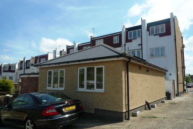 Thumbnail Bungalow to rent in Chiltern Drive, Berrylands, Surbiton