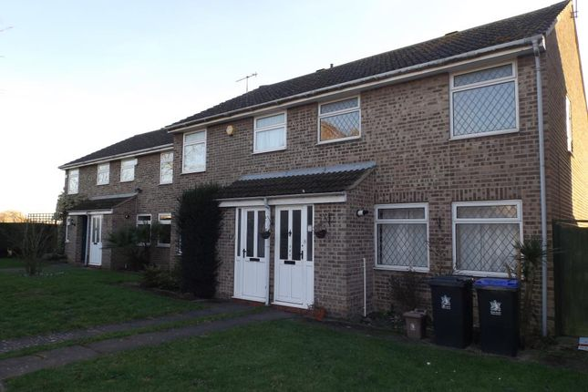 Thumbnail Semi-detached house to rent in Leas Drive, Iver