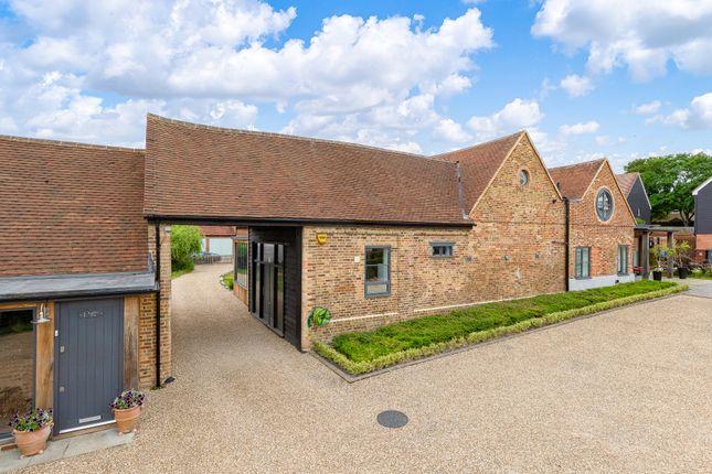 Thumbnail Barn conversion for sale in Pembridge Gardens, Stevenage