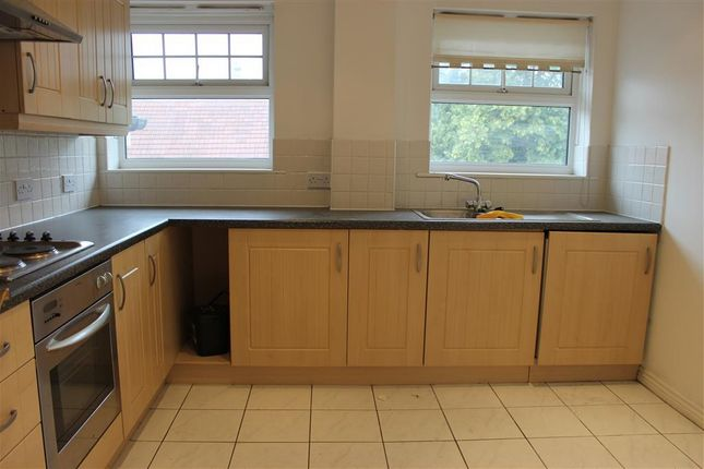 3 bed flat to rent in Crunden Road, South Croydon