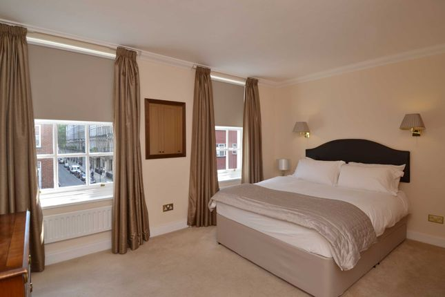 Picture 10 of Moncorvo Close, Knightsbridge, London SW7