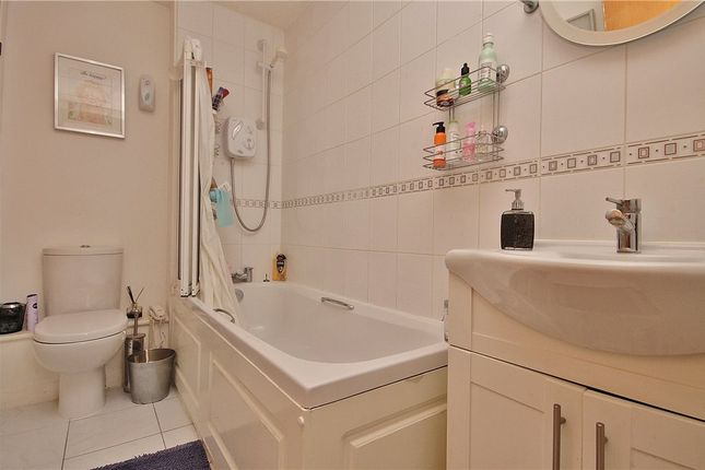 Bathroom of Buttermere Close, Feltham TW14