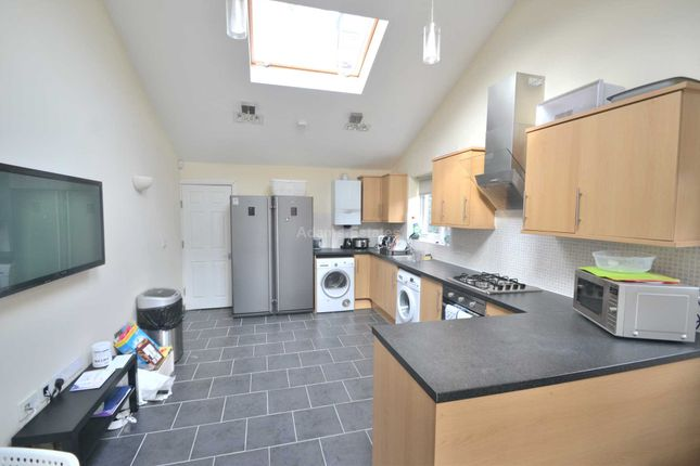 Thumbnail Semi-detached house to rent in Culver Road, Earley, Reading