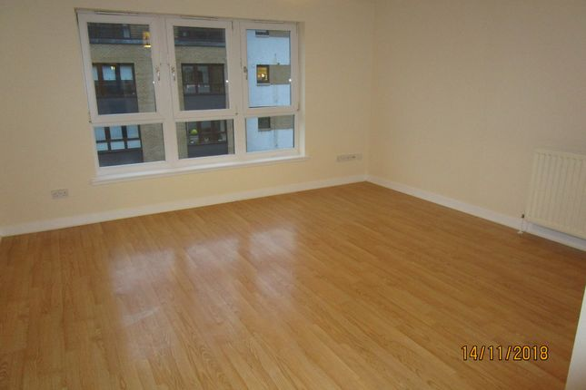 Thumbnail Flat to rent in Saucel Place, Paisley, Paisley