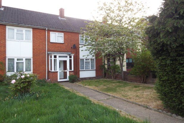 3 bed property to rent in Long Lynderswood, Basildon SS15