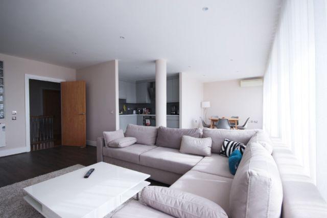 Thumbnail Flat to rent in James House, 18 High Street, Ealing, London