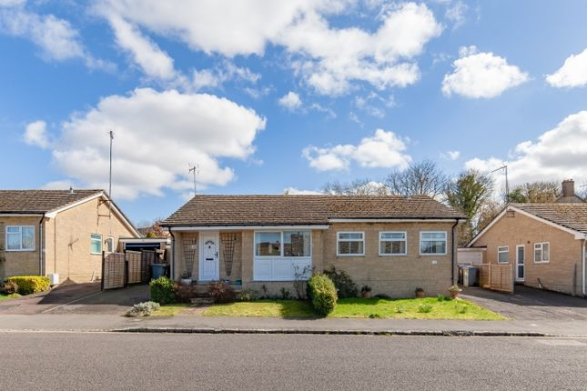 2 bed bungalow to rent in Elm Crescent, Charlbury, Chipping Norton OX7