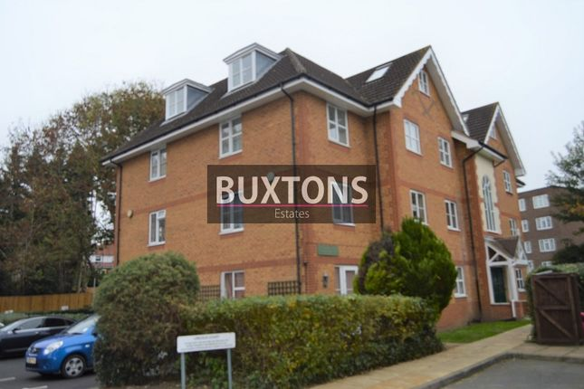 Thumbnail Flat to rent in Arborfield Close, Slough, Berkshire.
