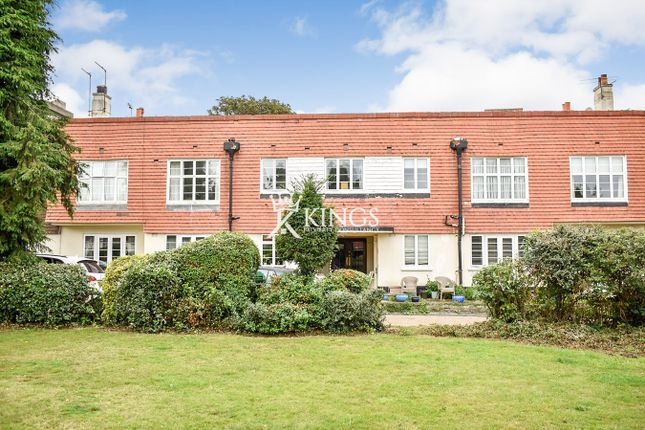 3 bed flat for sale in Crown Lane, Streatham, London SW16
