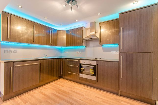 6 bed end terrace house for sale in Buckingham Road, Stratford