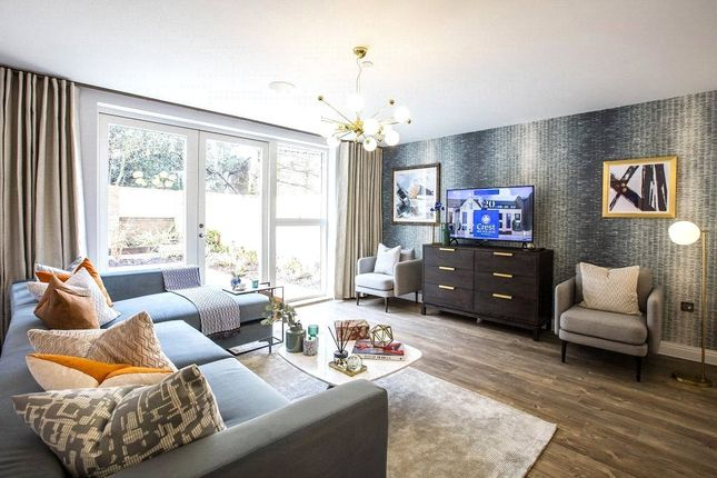 Thumbnail Terraced house for sale in Quayle Crescent, London