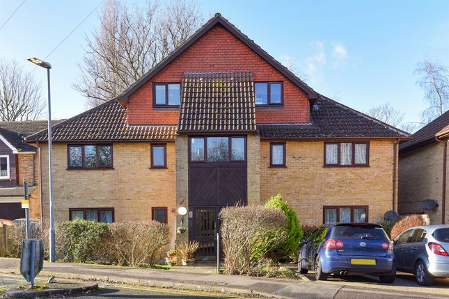 Thumbnail Flat for sale in Sandy Lane North, Wallington