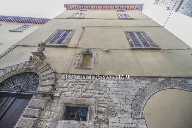 Historical Property With Terrace And Garage For Sale In Todi, Umbria