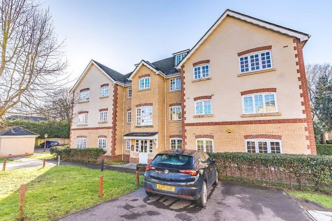 2 bed flat for sale in Hurworth Avenue, Langley SL3