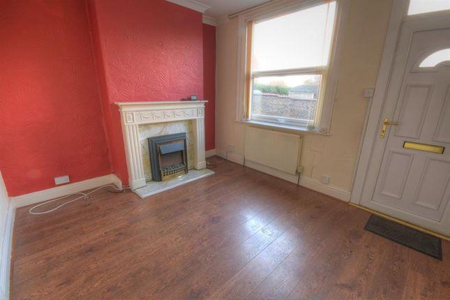 Thumbnail End terrace house to rent in Long Lane, Bridlington