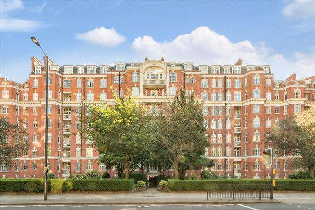 Flat for sale in Maida Vale, London