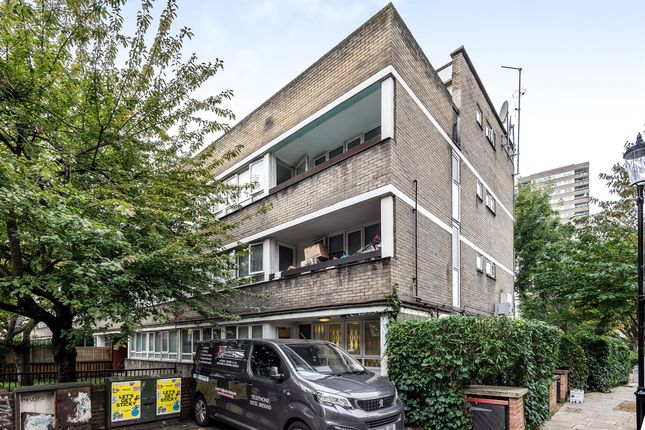 4 bed flat for sale in Waynflete Square, London W10