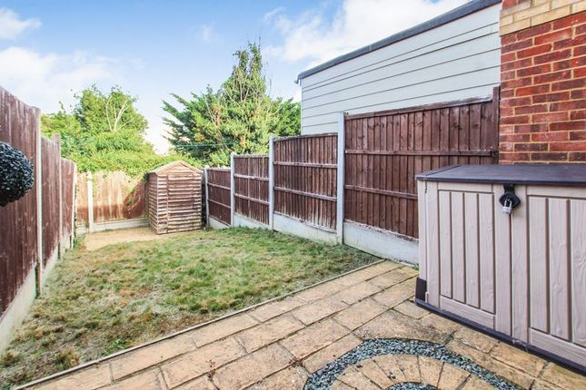 Photo 25 of St Michaels Close, Aveley, Essex RM15