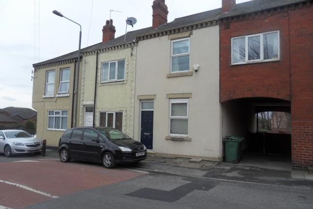Thumbnail Terraced house to rent in Newton Lane, Wakefield