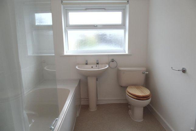 Bathroom of Linslade Street, Swindon SN2