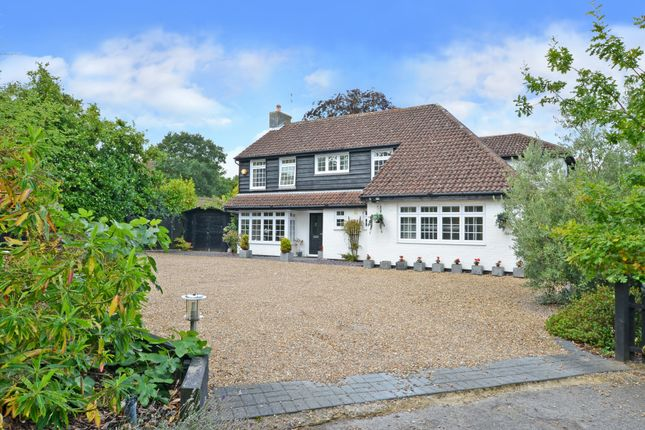 Thumbnail Detached house for sale in Forest Road, East Horsley