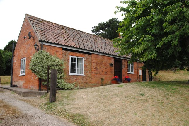 Thumbnail Cottage to rent in Swallow Road, Thorganby, Grimsby