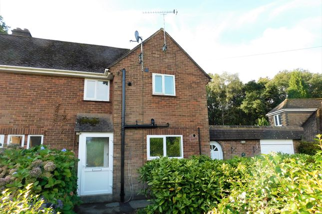 3 bed semi-detached house to rent in Hedgeside, Berkhamsted HP4