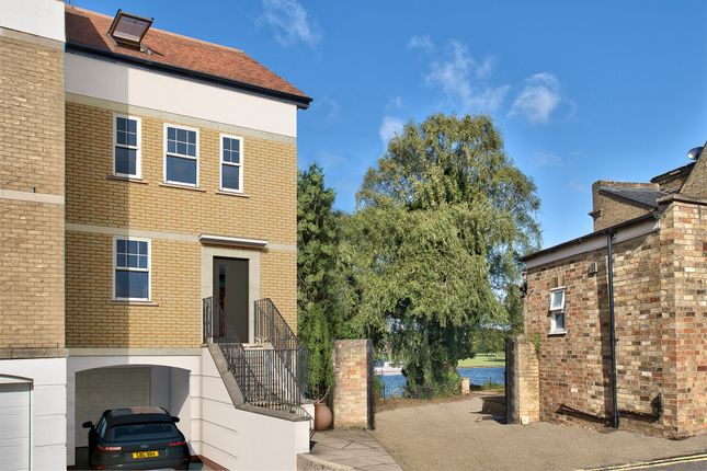 Thumbnail Town house for sale in Priory Lane, St Neots