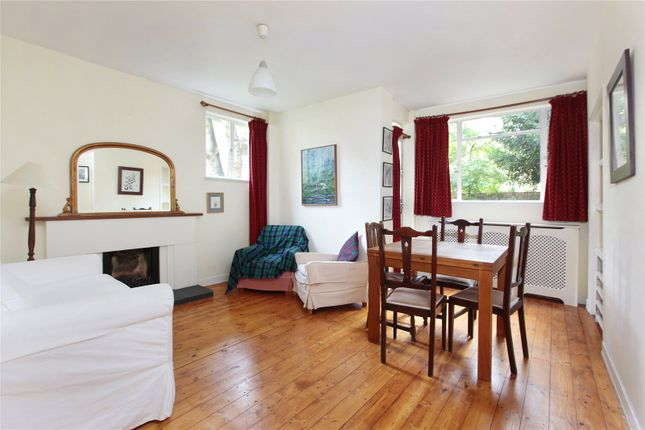 2 Bed Flat To Rent In Thurleigh Court Nightingale Lane Clapham South London Sw12 Zoopla