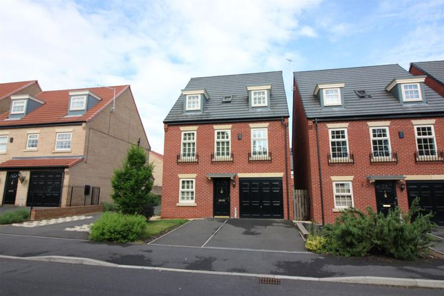 4 bed detached house for sale in Edgbaston Drive, Retford
