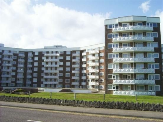 Thumbnail Flat to rent in Grove Road, East Cliff, Bournemouth
