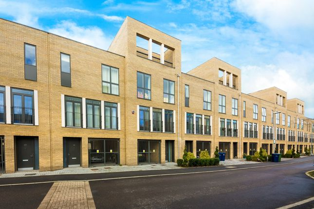 Thumbnail Town house for sale in Plantation Avenue, Trumpington, Cambridge