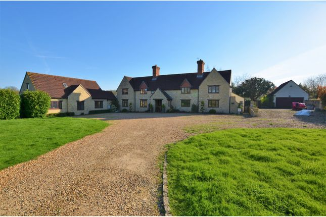 Thumbnail Farmhouse for sale in Watling Street, Towcester