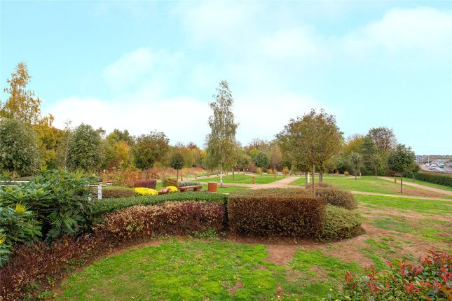 Communal Grounds of Kingswood Heights, Queen Mary Avenue, London E18