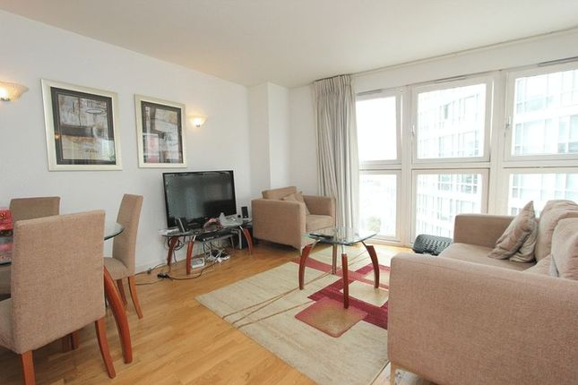 1 bed flat to rent in New Providence Wharf, Blackwall