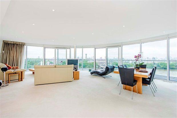 Flat for sale in Three Bedroom. Chelsea Bridge Wharf