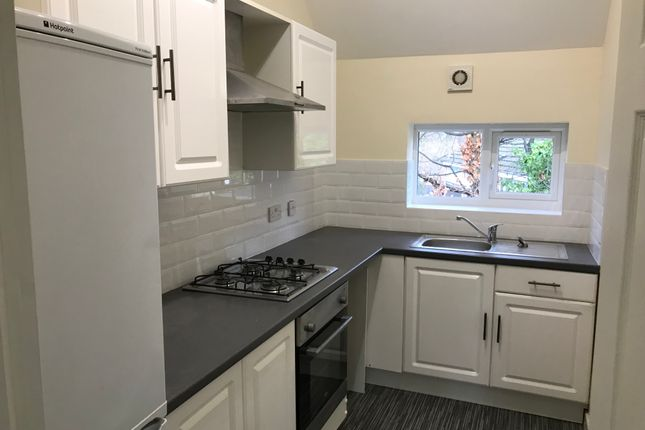Thumbnail Flat to rent in Ladybarn Crescent, Manchester