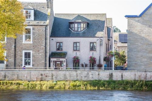 Thumbnail Hotel/guest house for sale in Inverness, Highland