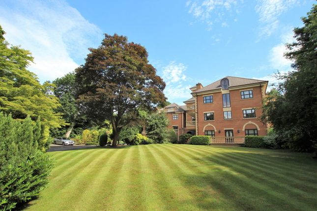 2 bed flat for sale in Park Road, Bowdon, Altrincham WA14