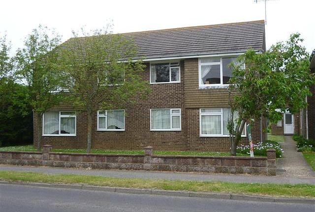 Thumbnail Flat to rent in Crabtree Lodge, Crabtree Lane