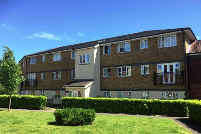 Thumbnail Flat to rent in Kiln Way, Dunstable