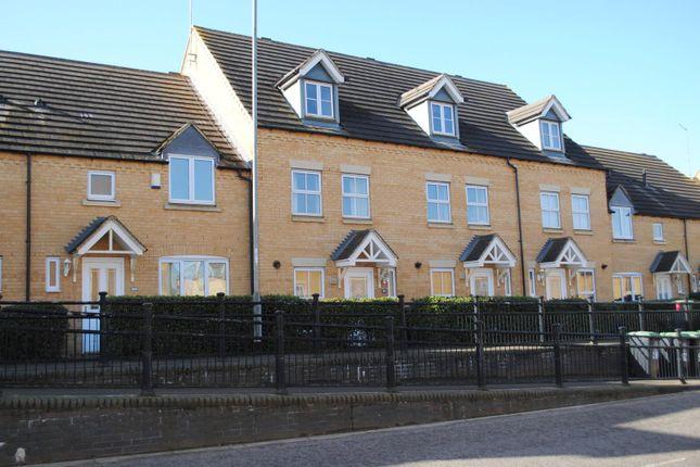Detached house to rent in School Lane, Higham Ferrers, Rushden NN10
