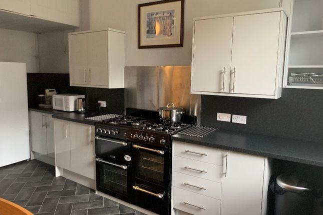 Thumbnail Flat to rent in Kelvinside Terrace South, Kelvinbridge, Glasgow