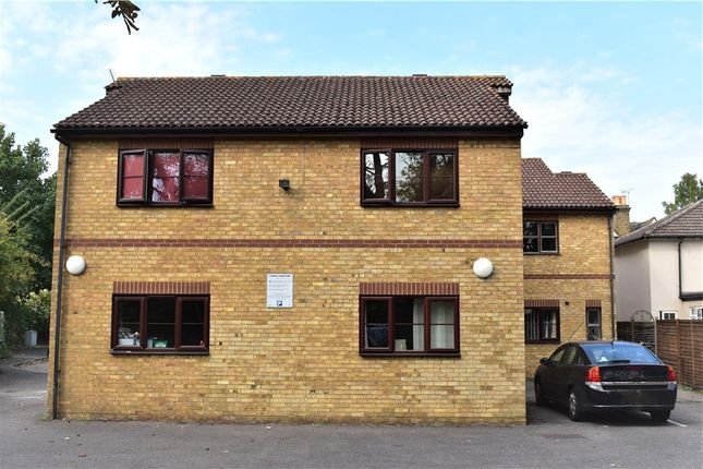 Thumbnail Maisonette for sale in Foxleigh Court, 28 New Road, Staines-Upon-Thames